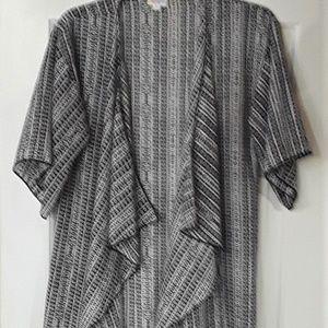 LuLaRoe Monroe Tassel Kimono Cover Up - Small